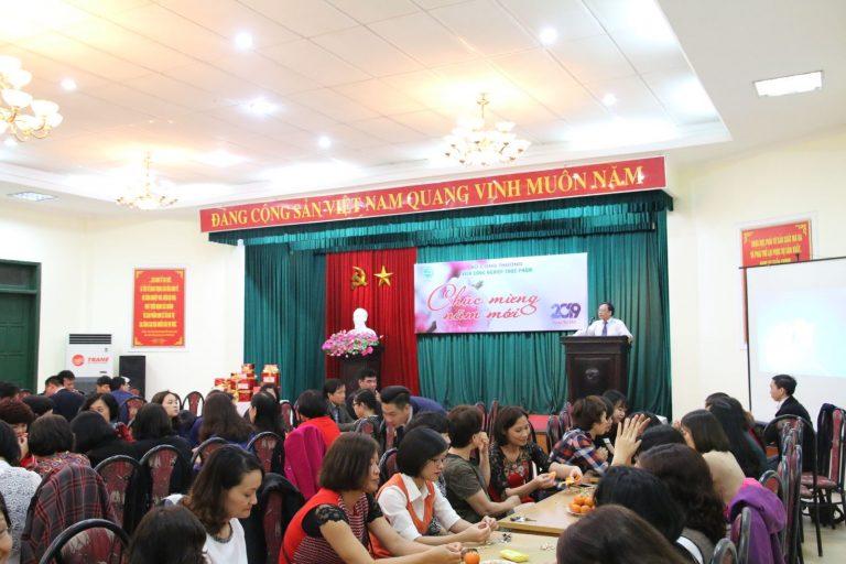 Viện trưởng Lê Đức Mạnh phát biểu tại buổi gặp mặt