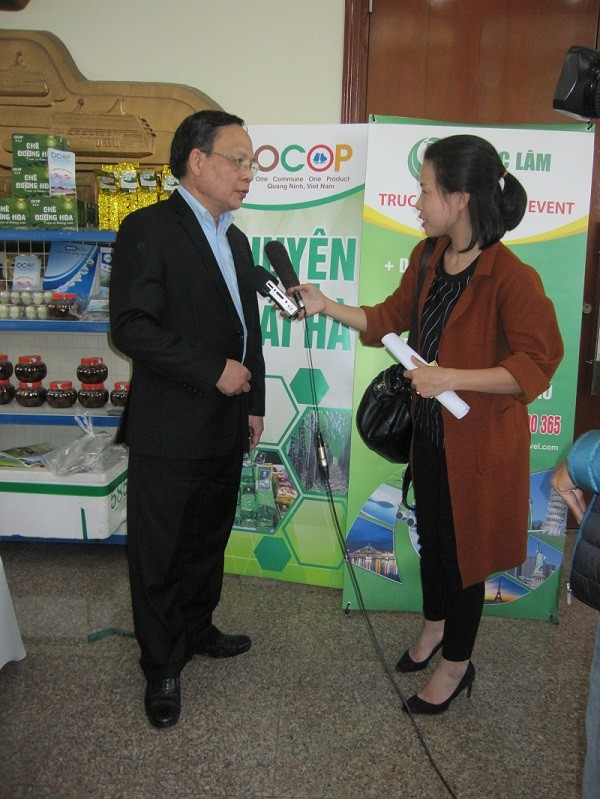 Viện trưởng Lê Đức Mạnh trả lời phỏng vấn Đài truyền hình Quảng Ninh
