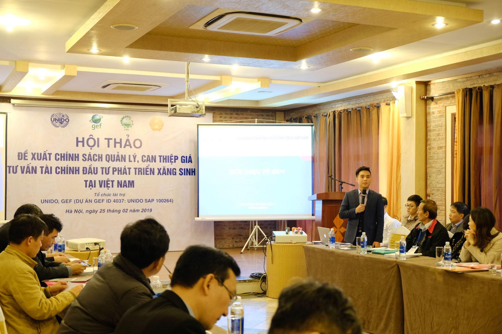 Đại diện của Ngân hàng Đầu tư và Phát triển Việt Nam giới thiệu về chính sách cho vay đối với các dự án đầu tư phát triển xăng sinh học tại Việt Nam