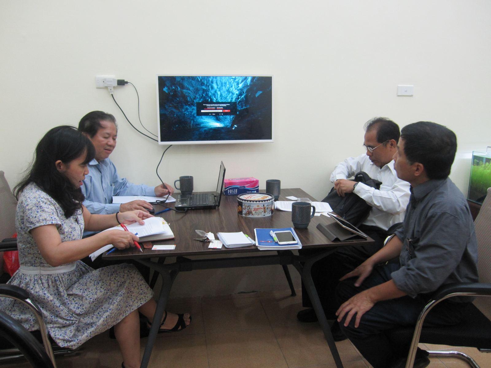 Tiếp PGS. Athikom Bangviwat và PGS. Veara Loha- Đại học Công nghệ King Mongkut's Thonburi, Thái Lan
