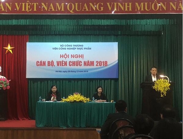 Viện trưởng Lê Đức Mạnh phát biểu tại Lễ tổng kết